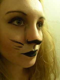 Trends With Benefits: DIY Lion Costume