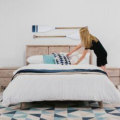 Today well be creating a fab mid-century beach inspired look whilst giving you a little peek at Super Amart's stunning new winter homewares collection! Ive chosen the Portland bedding range as my base today. First up - a neautral base - a simple white quilt cover design gives us a fresh base to build from! Layer one or two of your favourite throws add a couple of your favourite decorator cushions. Ive chosen a neutral base and am adding some warmth with a sand coloured throw to my cool teals…