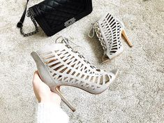 Another pair of high heels for the wardrobe Im absolutely lovin these heels from and it makes a change for me not to buy black! Flat Lay Photography, Make A Change, Lifestyle Blog, New Look, High Heels, Pairs, Shoes, Black, Fashion