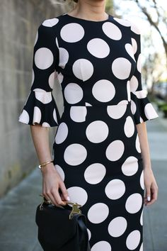 New dress for work offices classy polka dots Ideas Trendy Dresses, Modest Dresses, Fashion Dresses, Dresses For Work, Dresses With Sleeves, Bell Sleeve Dress, Bell Sleeves, Nyc Fashion, Style Fashion