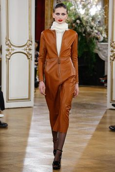 See the complete Vanessa Seward Fall 2017 Ready-to-Wear collection.