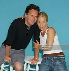 Matthew Perry and Christina Applegate at the 2004 Target A Time for Heroes Celebrity Carnival to benefit the Elizabeth Glaser Pediatric AIDS Foundation Friends Best Moments, Serie Friends, Friends Tv Show, Matthew 3, Matthew Perry, Netflix, Christina Applegate, Friends Wallpaper, Chandler Bing