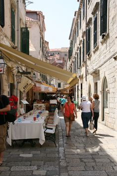 One of the many side street cafes in Dubrovnik.