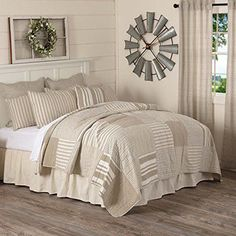 The 8 Best Bedding Sets for guys [June 2020] - Famrhouse Bedding Set Farmhouse Bedding Sets, Farmhouse Quilts, Modern Farmhouse, Queen Comforter Sets, Queen Beds, Cool Comforters, Quilt Bedding, Twin Quilt, Best Bedding Sets