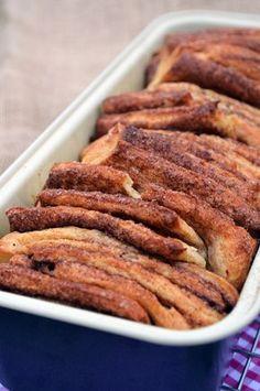 Fahéjas kalács lépésről lépésre ---------------DSC_0301 Sweet Desserts, No Bake Desserts, Sweet Recipes, Home Recipes, Cooking Recipes, Healthy Recipes, Hungarian Recipes, Food And Drink, Favorite Recipes