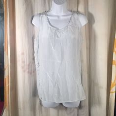UNIQLO Striped 100% Silk $50 NWT Career sz Small 100% silk need I say more! No issues. UNIQLO Tops Blouses
