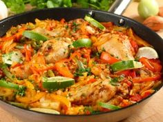 Paella z kurczakiem Calzone, Soul Food, Pasta Recipes, Thai Red Curry, Pizza, Yummy Food, Delicious Recipes, Chicken, Meat