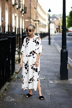 Super Simple In Beautiful #Ganni: #streetstyle, #print #slides #dress #newbark…