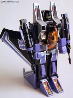Transformers G1 Skywarp - Unicron.com