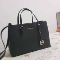 Up To 70% Off Handbags Michael Kors Handbags #Michael #Kors #Handbags Michael Kors.