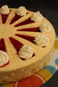 Dobostorta - gluténmentes blog: Epres rizstorta Zila formában Bab, Winter Food, Camembert Cheese, Cheesecake, Food Cakes, Cheesecakes, Cherry Cheesecake Shooters