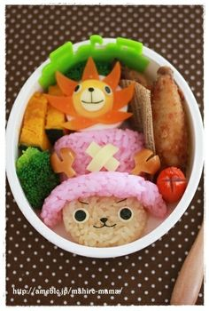 Character Bento Chopper from One Piece Recipe - Yummy this dish is very delicous. Let's make Character Bento Chopper from One Piece in your home! Japanese Food Art, Japanese Lunch Box, Kawaii Bento, Cute Bento, Chopper, Anime Bento, Bento Recipes, Bento Ideas, Bento Box Lunch