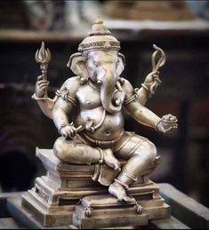 Ganesh Idol, Ganesha Art, Krishna Art, Shri Ganesh Images, Happy Ganesh Chaturthi Images, Ganapati Decoration, Hindu Statues, Lord Ganesha Paintings, Ganesh Statue