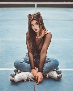 Skater Girl Outfits, Skater Girls, Foto Tablet, Bmx Girl, Good Photo Editing Apps, Creative Fashion Photography, Model Poses Photography, Hipster Girls, Cute Girl Pic
