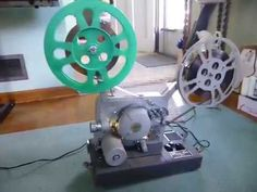 Rare Vintage Calvin Movie-Mite C-400 16mm Movie Projector