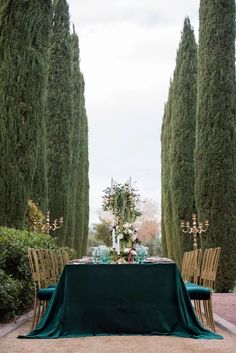La Tavola Fine Linen Rental: Velvet Emerald with Dupionique Wafer Napkins | Photography: KMH Photography, Venue: Green Valley Ranch Resort, Planning: Storybook Weddings, Florals: Flourish Las Vegas, Paper Goods: EG Letters, Rentals: Weddings by Dzign