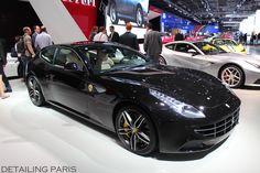 Mondlial de l'automobile 2014 Paris - Stand Ferrari FF