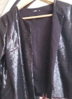 À vendre sur #vintedfrance ! http://www.vinted.fr/mode-femmes/autres-manteaux-and-vestes/35888840-veste-sequins
