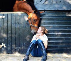 Horse loving on girl. I love horses!