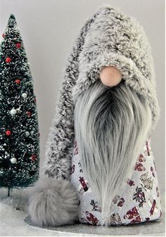 Dwarves, Tomte, Nisse or Tonttu. In the Scandinavian countries guard these . - Dwarves, Tomte, Nisse or Tonttu. In the Scandinavian countries these animals guard your home. Christmas Gnome, Christmas Projects, Christmas Ornaments, Scandinavian Gnomes, Scandinavian Christmas, Holiday Crafts, Holiday Fun, Tilda Toy, Pink Christmas Decorations