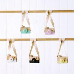 Cámara de fotos de madera Instagram Posts, Diy, Shopping, Houses, Objects, Colors, Manualidades, Zaragoza, Do It Yourself