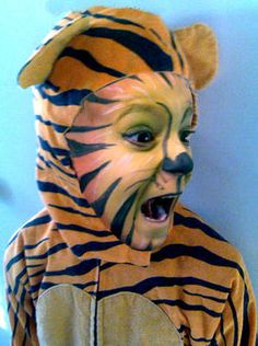 DIY tiger face paint
