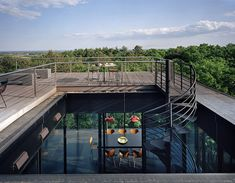 Opened Towards the Forest and the Shoreline Beyond: Watermill Houses in NY