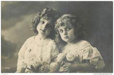 CPA - FILLETTES - LITTLE GIRL - MAEDCHEN - PORTRAIT -  jolie fantaisie