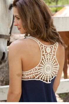 Crochet Back Tank Top ༺✿ƬⱤღ http://www.pinterest.com/teretegui/✿༻