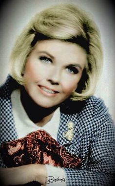 Doris Day She Is Gorgeous, Beautiful, Famous Faces, Famous Photos, Rock Hudson, She Movie, I Love Lucy, Girls Image, Girls Life