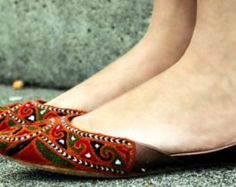 The folk culture inspired colorful thread work flat is an easy way to infuse some fun into your summer style. These flats are all about comfort,