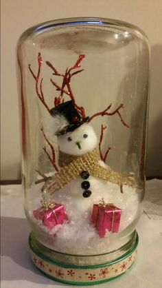 Snowman 2 mason jar style by bettie Snowman Crafts, Jar Crafts, Diy And Crafts, Kids Crafts, Christmas Projects, Kids Christmas, Holiday Crafts, Christmas Tablescapes, Christmas Decorations