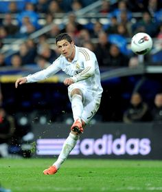 Christiano Ronaldo . Oliver's words. ' inspires me to play football '