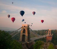 Hot air balloons over Clifton Suspension Bridge, North Somerset, England. Bristol Balloons, Bristol Balloon Fiesta, Bristol Balloon Festival, Bristol England, Somerset England, England Uk, North Somerset, Bristol City, Tolu