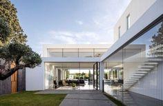 fachada-casa-minimalista-en-savyon