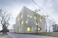 double facade by atelier Deshaus