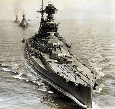 HMS Barham (04) - Corazzata classe Queen Elizabeth - Entrata in servizio 19 ottobre 1915 - Dislocamento (alla costruzione) 33.550 Lunghezza 196 m Larghezza 31,7 m Pescaggio 10 m Propulsione 24 × caldaie, pressione massima 1965 Pa, 4 gruppi turboriduttori 4 assi elica Velocità 25 nodi (46,3 km/h) Autonomia 8.600 n.mi. a 12,5 nodi (15.900 km a 23 km/h) Equipaggio 1.124-1.184 - Affondata il 25 novembre 1941