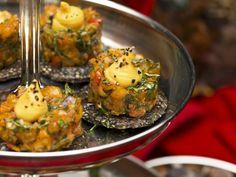Lachshäppchen mit Safran-Aioli ist ein Rezept mit frischen Zutaten aus der Kategorie Dips. Probieren Sie dieses und weitere Rezepte von EAT SMARTER!