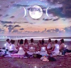 Happy In Virgo! 🌑 Use this new moon to set intentions for the next chapter of your life. This new moon will help you snap out of your vacation brain. Decide what you are committing to. Intention is a powerful force. Do you have a new moon ritual? Foto Fantasy, Full Moon Ritual, Sacred Feminine, Moon Magic, Mystique, Moon Goddess, Goddess Warrior, Triple Goddess, Goddess Art