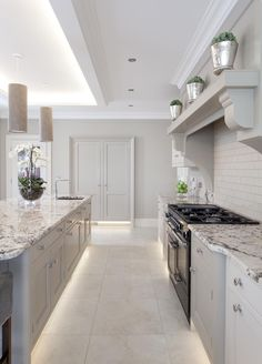 Why don't you consider this method for an innovative approach! Decor for Kitchen Barn Kitchen, Open Plan Kitchen, Kitchen Living, New Kitchen, Kitchen Decor, Kitchen Design, Kitchen Ideas, Kitchen Units, Kitchen Cupboards