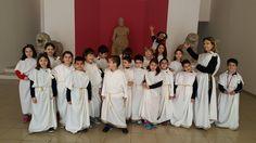 Okulumuz 3. sınıf öğrencileri, Homeros eşliğinde İzmir Tarih Sanat Müzesini ziyaret ettiler. Tarihin odalarında eğlenerek, yaparak ve yaşayarak öğrenmenin tadına vardılar. Macera Atölyesi görevlilerinin eşliğinde birçok etkinlik gerçekleştirildi. Öğrencilerimiz, geçmiş ile şimdiki zaman arasında karşılaştırma yaparak, aktif katılımlarla ilk olimpiyatları ve yarışmaları canlandırdılar.