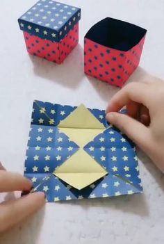 Diy Crafts Home, Diy Crafts For Gifts, Diy Arts And Crafts, Creative Crafts, Wall Decor Crafts, Handmade Crafts, Cool Paper Crafts, Paper Crafts Origami, Oragami