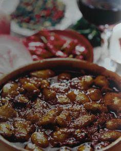 ΠΑΝ ΜΕΤΡΟΝ ΑΡΙΣΤΟΝ: Φασουλαταβάς ή βουρδουνάρικα...Νηστίσιμα φαγητά με... Greek Recipes, Vegan Recipes, Chana Masala, Chili, Soup, Beef, Cooking, Ethnic Recipes, Breads