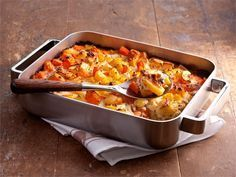 Katso Valion herkullinen Juuresgratiini –resepti, mikä on suunniteltu erityisesti HoReCa-alan tarpeisiin. Vegetarian Recipes, Cooking Recipes, Breakfast Lunch Dinner, Paella, Macaroni And Cheese, Food And Drink, Baking, Ethnic Recipes, Koti