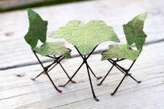 Muebles sillas y mesa de jardín de hadas bistro set - pintado a mano de hojas de hiedra miniatura accesorios para terrarios