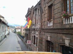 Recorriendo las calles de Cuenca, Ecuador
