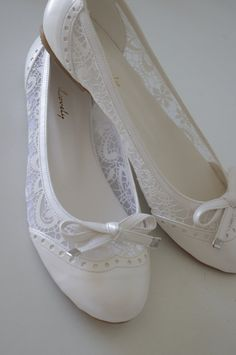 """Lace Bridal Flats Wedding shoes 1008 with my  hand-knitted gift:  """"Bridal wedding dance shoes slippers Cream Bridal Party Bridesmaid"""" on Etsy, $165.00"""