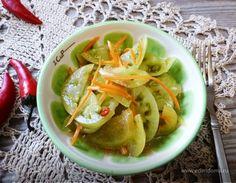 Острые зеленые помидоры — вкуснейшая вещь! Они хороши сами по себе, хороши к отварной или жареной картошке, хороши как закуска на дружеской вечеринке. Этот салат как гарнир можно подать к рыбе. ...