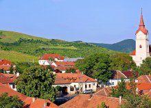 Egy hetes családi nyaral az aranyfényű Tokaj-Hegyalján, félpanzióval, a Fürdőház használatával, fürdőbelépővel