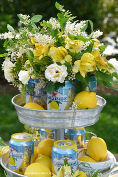 Summer table decorations - Lakeside Limonata Table and Sparkling Cans of Flowers – Summer table decorations Dinner Table, A Table, Mikasa French Countryside, Sparkling Lemonade, Pink Lemonade Party, Summer Table Decorations, Lemon Party, Welcome Summer, Al Fresco Dining
